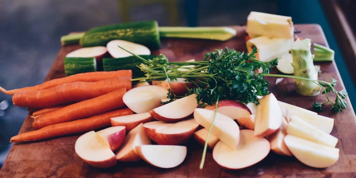 Den bedste måde hvorpå du kan booste dit immunforsvar mod coronavirus er ved at spise frugt og grøntsager